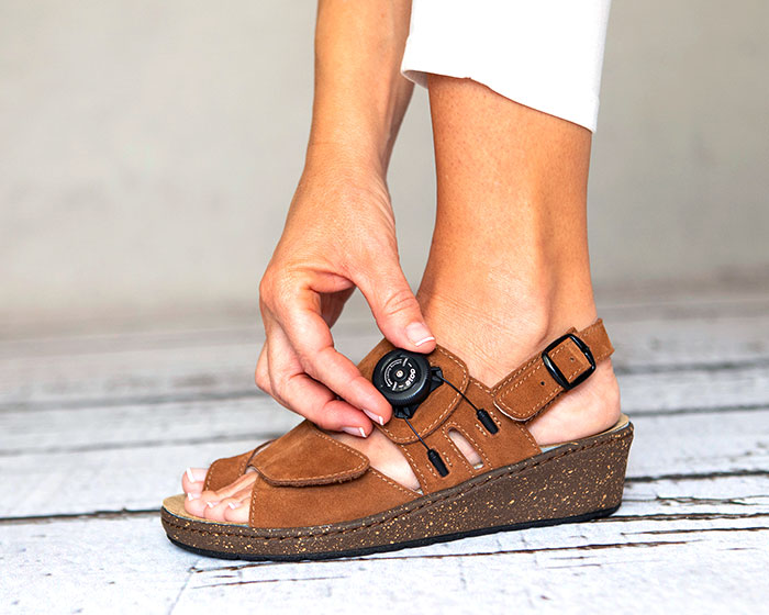 Adjustable GinkGo Bunion Sandal