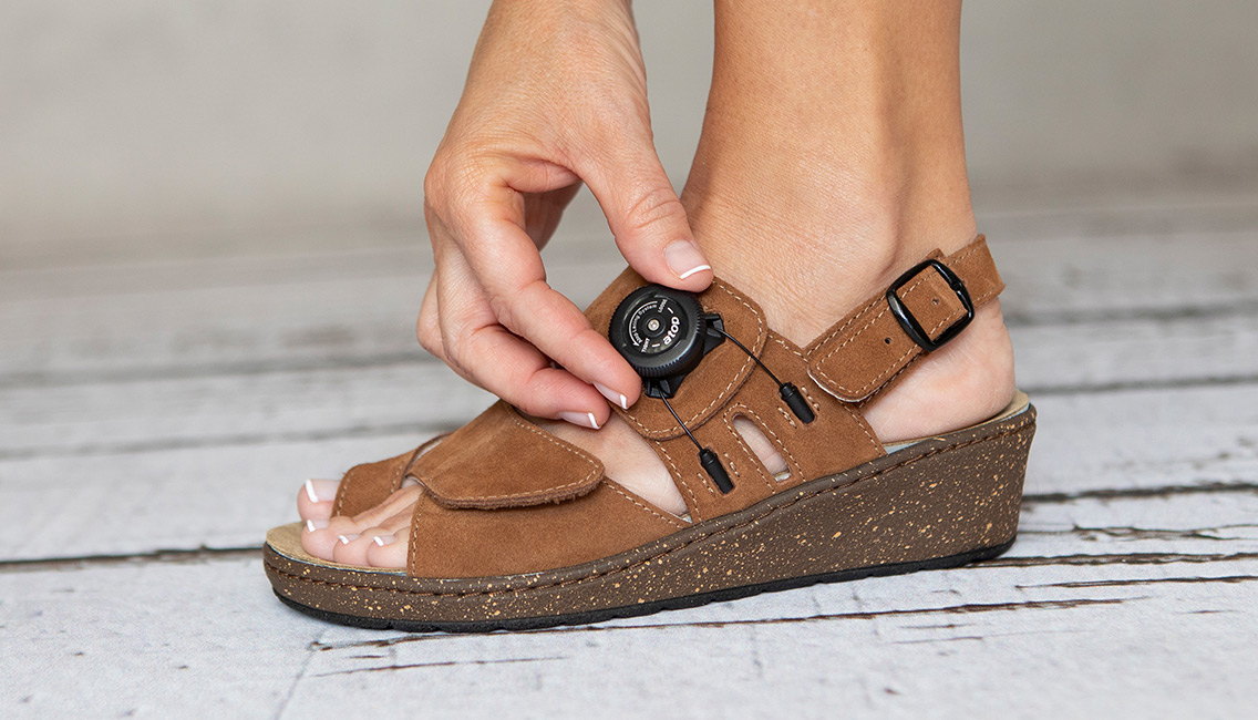 Introducing The Hallufix Bunion Aid Sandals And Mules Alpha Orthotics Cures Bunion Pain With The Bunion Aid Treatment Splint